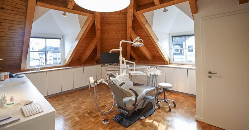 Proffessionelle Zahnreinigung Super Weiße Zähne - Zahnarztpraxis Düsseldorf
