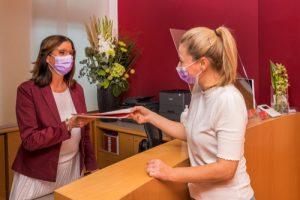 Zahnarzt Düsseldorf - Zahnarztpraxis herzlicher Empfang für unsere Patienten