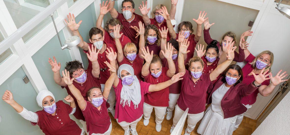 Zahnarztpraxis Düsseldorf-Empfang Team Vertrauen